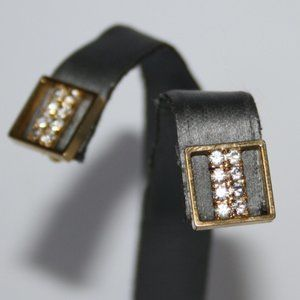 Beautiful gold square clip on earrings
